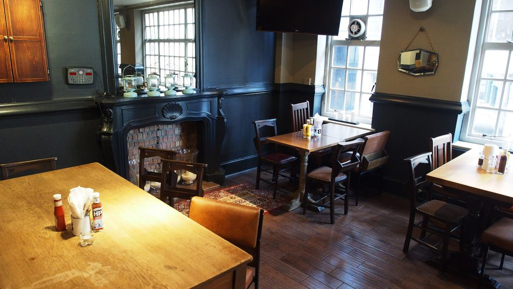The Three Tuns - Dining
